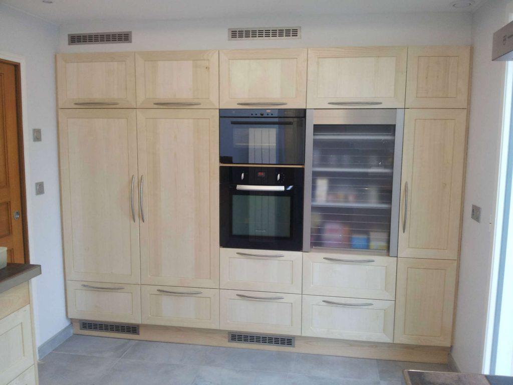 cuisine avec porte en frene massif<div style='clear:both;width:100%;height:0px;'></div><span class='cat'>CUISINES</span>